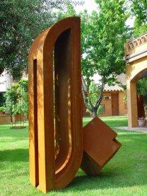 2007_Pedra escantonada a l'ombra d'un xiprer_1